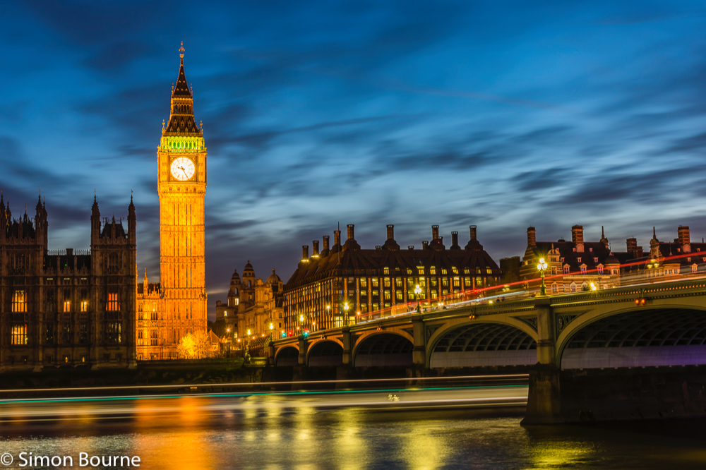 Simon Bourne, photography, photographer, north London, portfolio, image, central London, Westminster, Houses of Parliament, Big Ben, River Thames, Westminster Bridge, red buses, dusk, Nikon