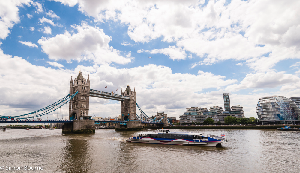 Simon Bourne, photography, photographer, north London, portfolio, image, central London, River Thames, river boat, plane, City Hall, Tower Bridge, Nikon