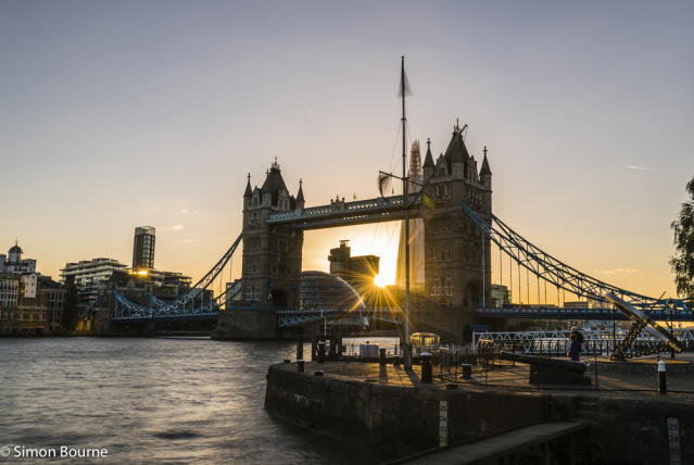 Simon Bourne, photography, photographer, north London, portfolio, image, central London, River Thames, Tower Bridge, The Shard, sunset, dusk, night, lights, river boat, Nikon, City Hall, sunburst
