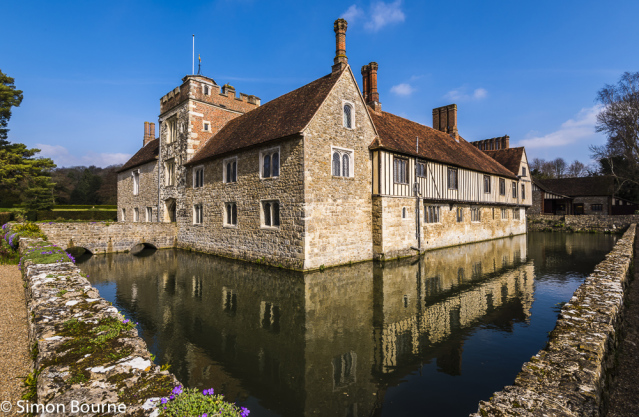 Simon Bourne, photography, photographer, north London, portfolio, image, gardens, spring, lake, moat, Ightham Mote, home, house, grounds, medieval, Jacobean, Aubretia, Nikon
