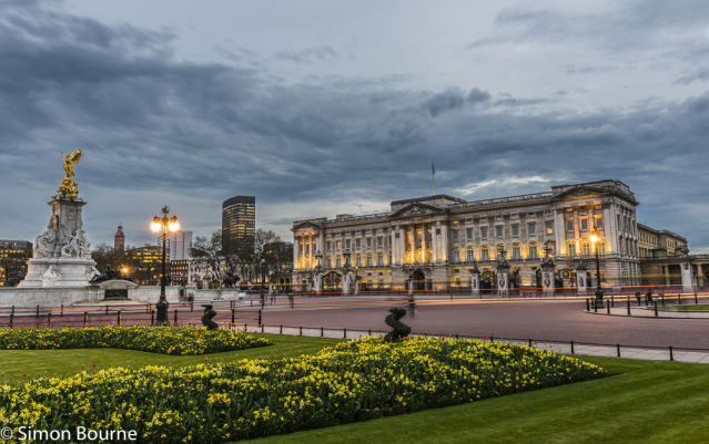 Simon Bourne, photography, photographer, north London, portfolio, image, central London, Westminster, Buckingham Palace, flag, red tulips, gardens, spring, landscape, structures, Nikon, royal, landmark, building, lights, dusk, night, storm clouds