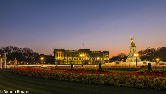 Simon Bourne, photography, photographer, north London, portfolio, image, central London, Westminster, Buckingham Palace, flag, red tulips, gardens, spring, landscape, structures, Nikon, royal, landmark, building, lights, dusk, night, red sky, sunset