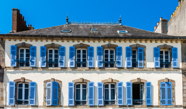 Simon Bourne, photography, photographer, north London, portfolio, image, abstract, Nikon, blue sky, blue shutters, building, structure, port, town, house, Brittany, France, Audierne, seaside