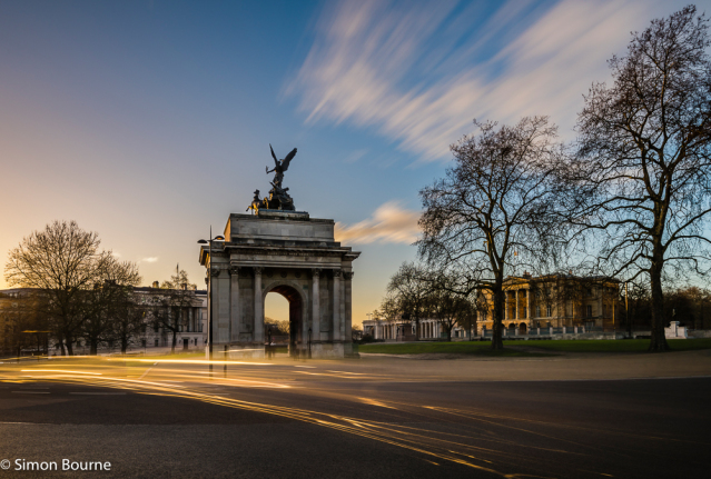 Simon Bourne, photography, photographer, north London, portfolio, image, landscape, structure, Hyde Park Corner, Wellington Arch, Nikon, long exposure, dusk, sunset, orange sky, car trails, lights, night