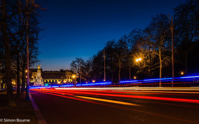 Simon Bourne, photography, photographer, north London, portfolio, image, landscape, structure, The Mall, Buckingham Palace, Westminster, Nikon, long exposure, dusk, sunset, blue sky, car trails, lights, night, Queen Victoria Memorial