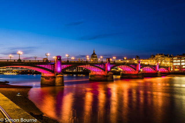 Simon Bourne, photography, photographer, London, portfolio, image, central London, River Thames, Southwark Bridge, St Paul's Cathedral, buses, boats, dusk, sunset, night, long exposure, landscape, reflection, Nikon, lights, traffic trails, red light