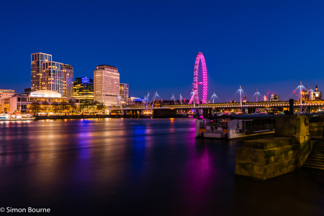 Simon Bourne, photography, photographer, north London, portfolio, image, landscape, structure, River Thames, river, dusk, sunset, Nikon, Hungerford Bridge, long exposure, London Eye, Golden Jubilee, boats, trails, lights, night, reflections