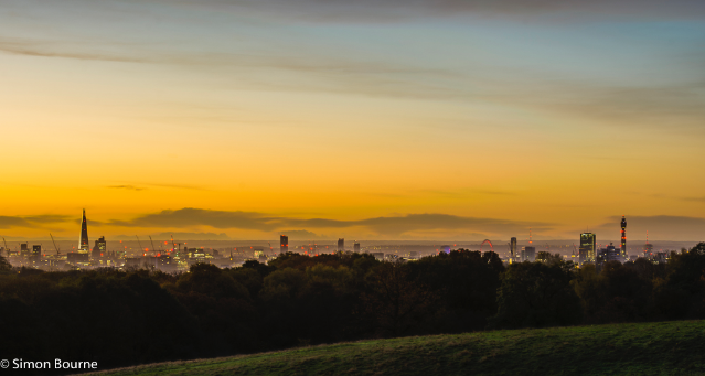 Simon Bourne, photography, photographer, north London, portfolio, image, autumn, sunrise, dawn, London skyline, The Shard, London Eye, BT Tower, landscape, tree, Nikon, Hampstead Heath